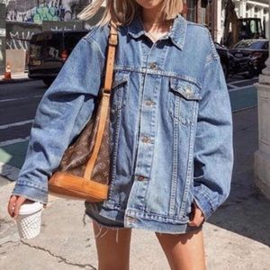 Levi's denim truckers jean oversized jacket NWT